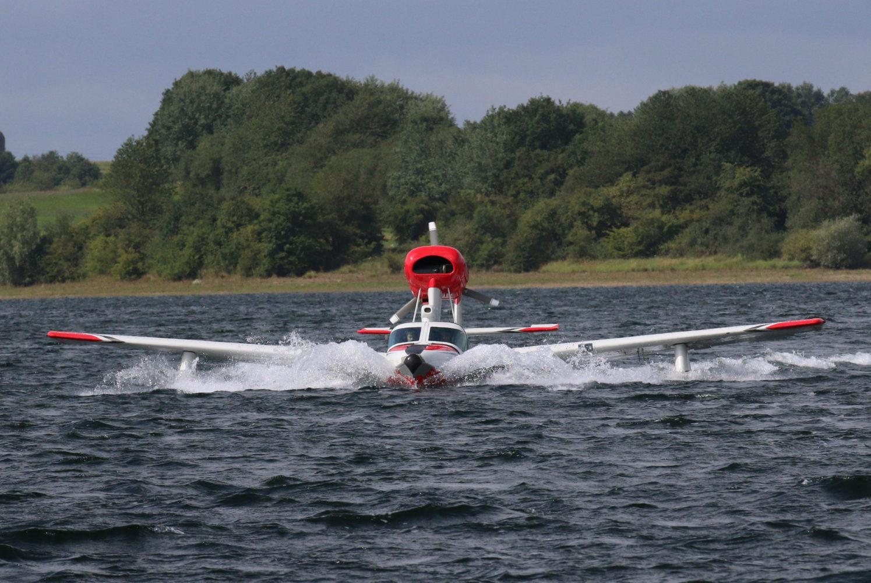 G-VWET Splash in water